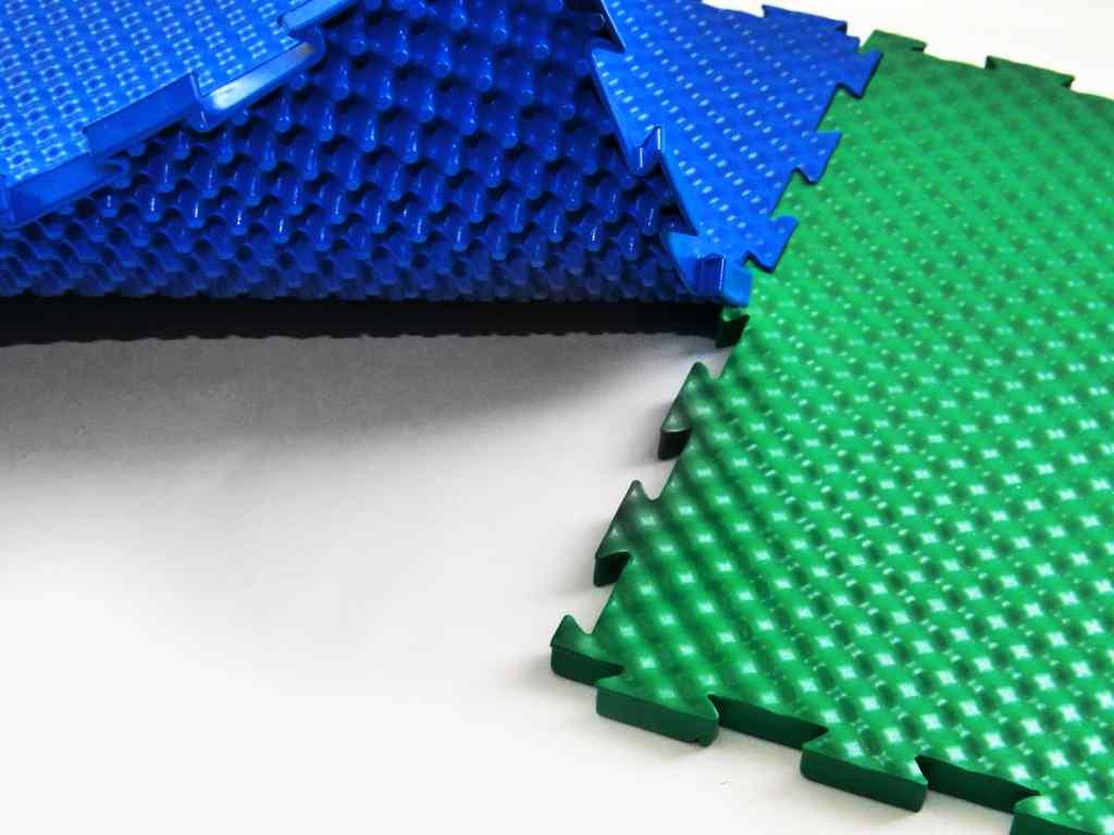 Почему резиновое покрытие для площадок  — это оптимальный вариант?