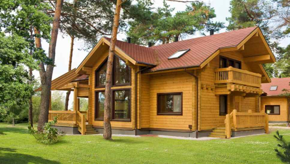 Возведение энергоэффективных домов позволяет существенно сэкономить на герметизации швов срубов цена на которую бывает весьма высока