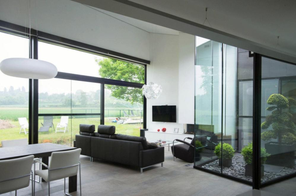 Кому доверить дизайн квартиры?