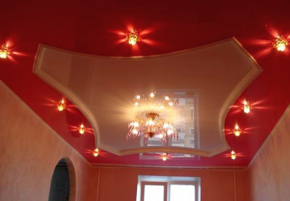 Как установить глянцевые натяжные потолки?