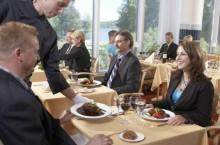 Как должен выглядеть деловой обед?