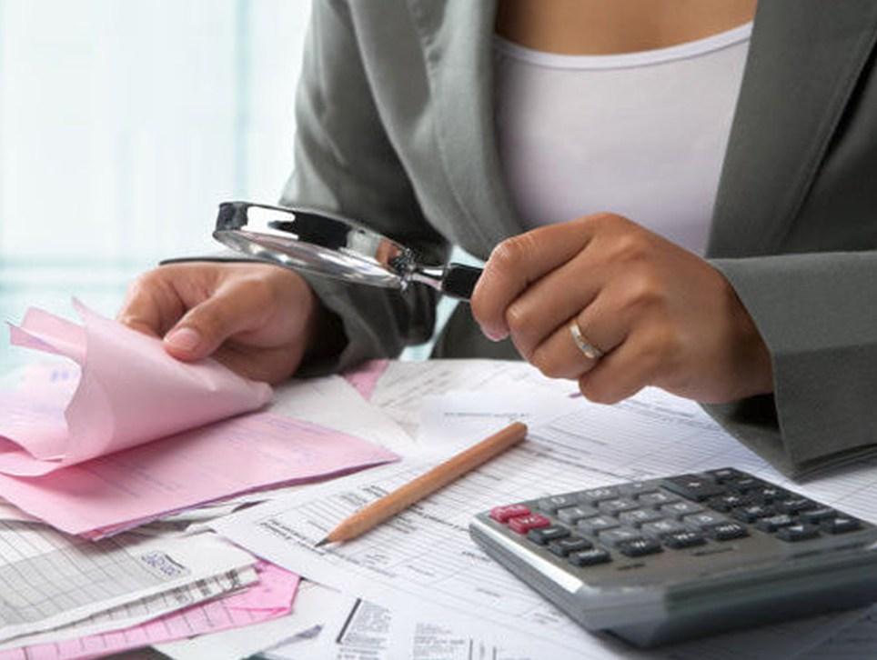 Как юридические фирмы помогают избавиться от долгов?